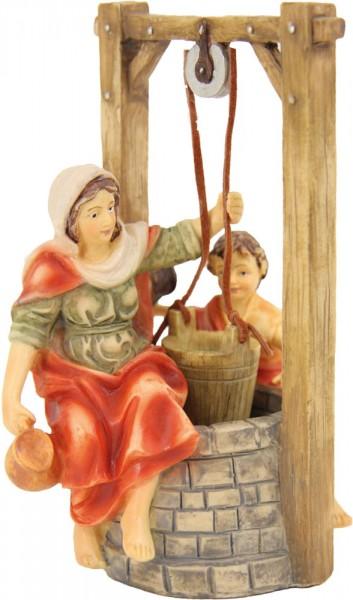 Brunnen mit Magd und Kind 8cm
